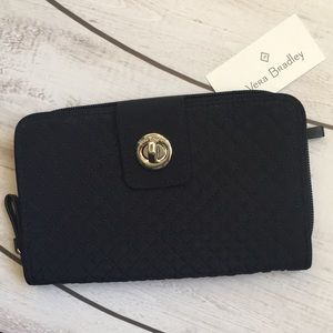 Vera Bradley Iconic Turnlock Wallet Classic Navy.